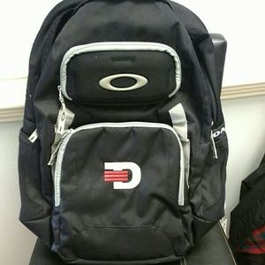 Oakley backpack NWT 20x16 model 35L works collect